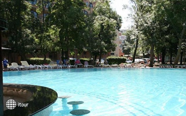 Club Hotel Bor 2