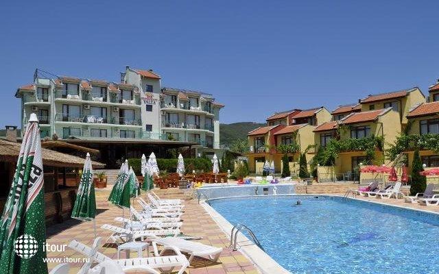 Yalta Sunny Beach 1