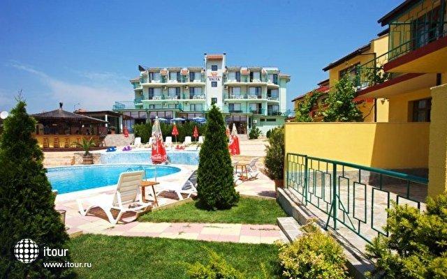 Yalta Sunny Beach 8