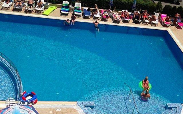 Amaris Hotel 4