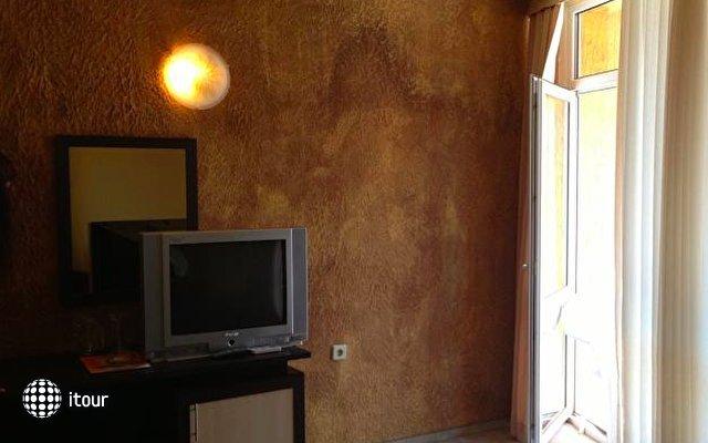 Amaris Hotel 5