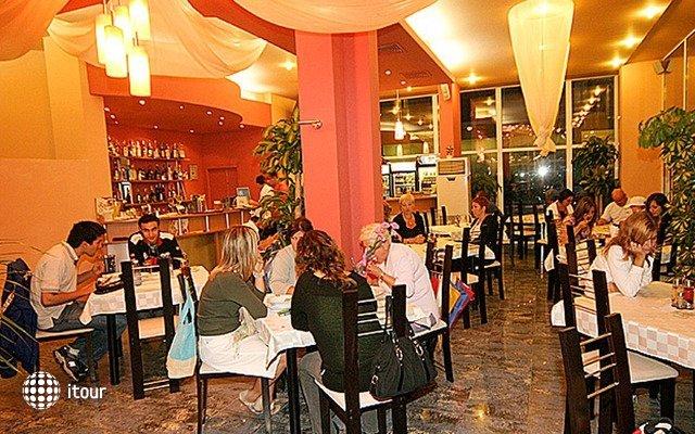Mpm Royal Hotel Central 10
