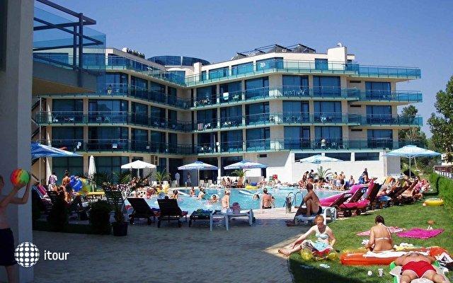 Riviera Blue Hotel 2