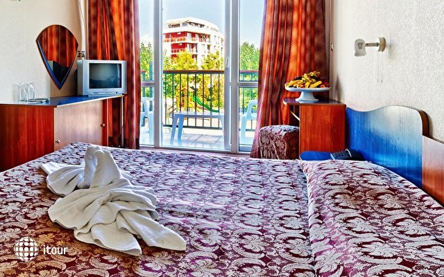 Amphora Hotel 7