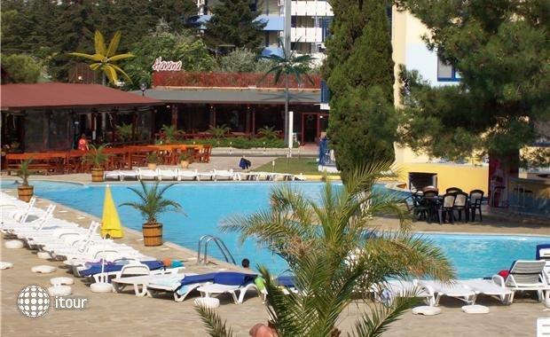 Azurro Hotel 2