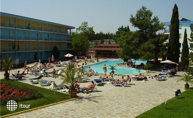 Azurro Hotel 5