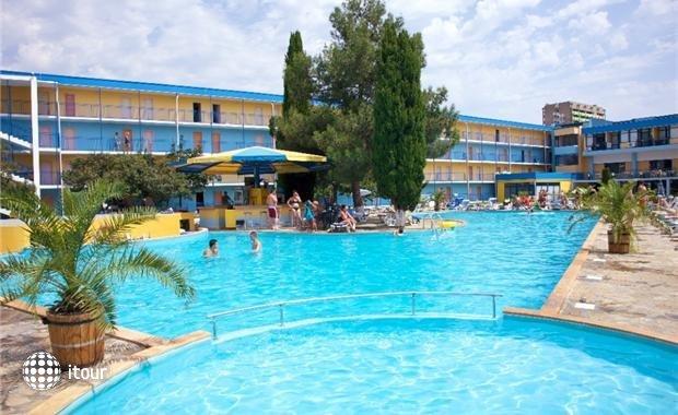 Azurro Hotel 1