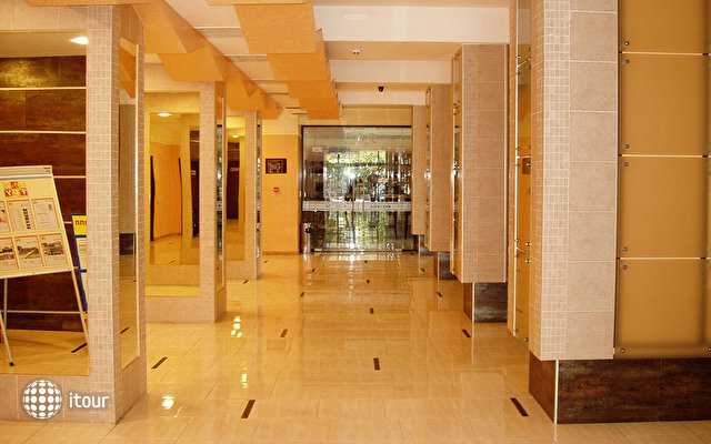 Kuban Hotel Sunny Beach 9