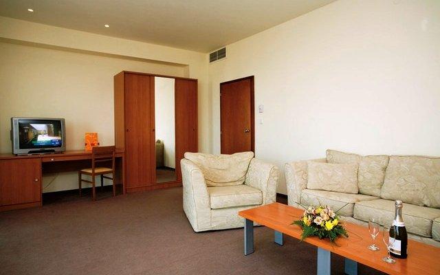 Riu Club Hotel Evrika 5