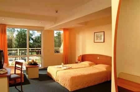 Riu Club Hotel Evrika 8