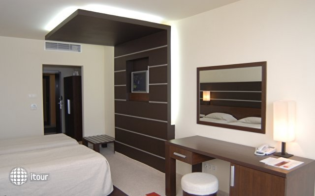 Vigo Hotel 6