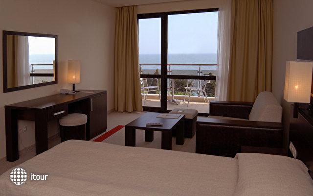 Vigo Hotel 5