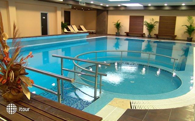 Vigo Hotel 3
