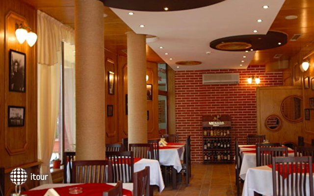 Cantilena Hotel 8