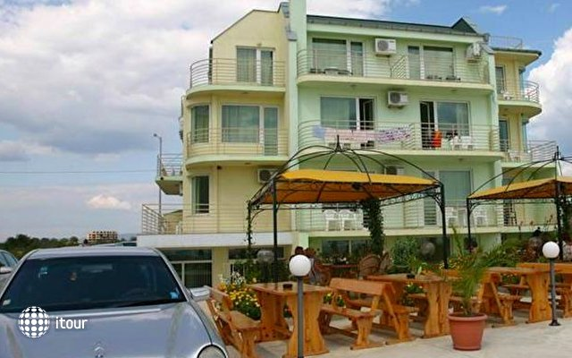 Harmony Beach Family Hotel 3