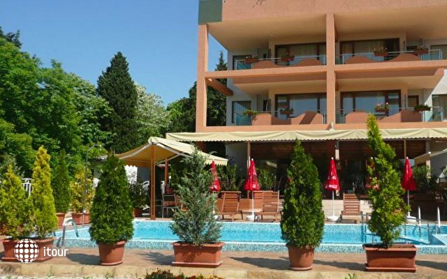 Hotel Capri 2