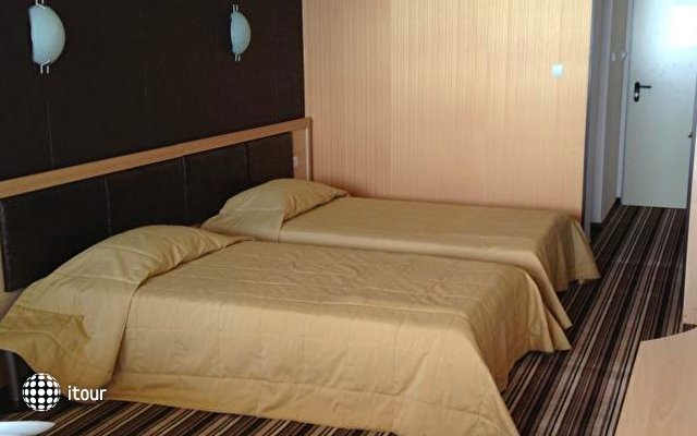 Hotel Capri 4