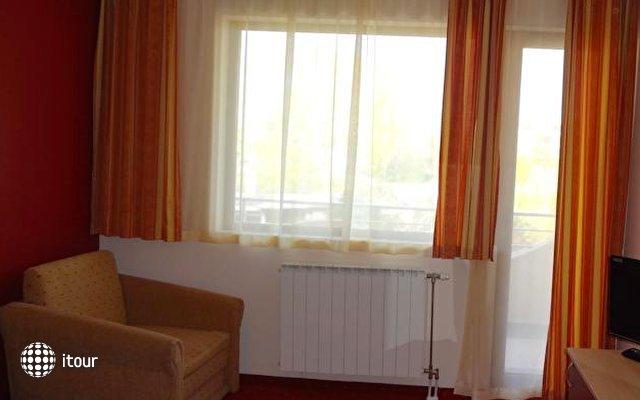 Hotel Capri 8