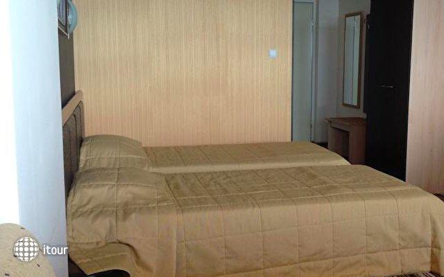 Hotel Capri 9
