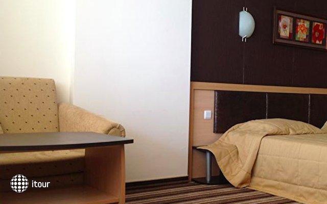 Hotel Capri 10