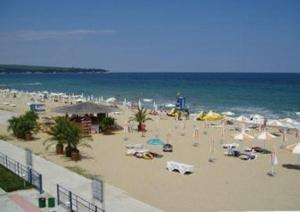 Helios Beach 10