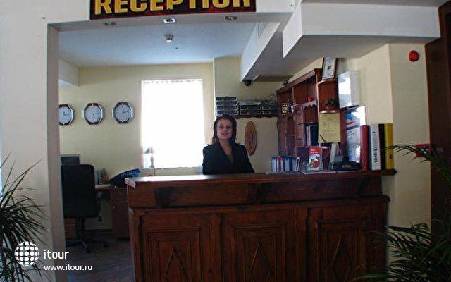 Bariakov Family Hotel 6