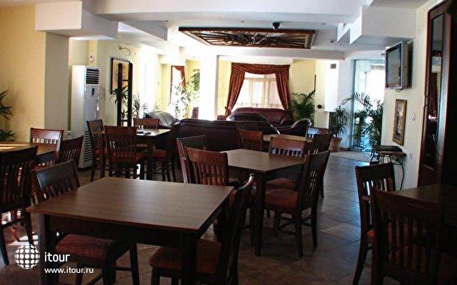 Bariakov Family Hotel 8