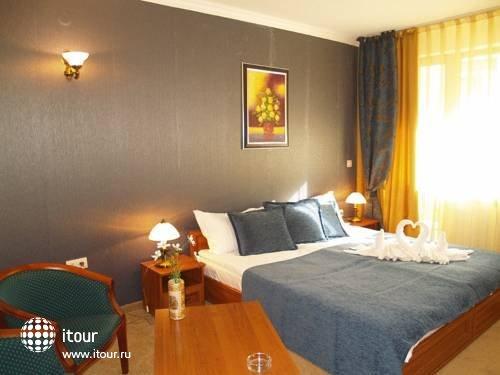 Emerald Spa Hotel 8
