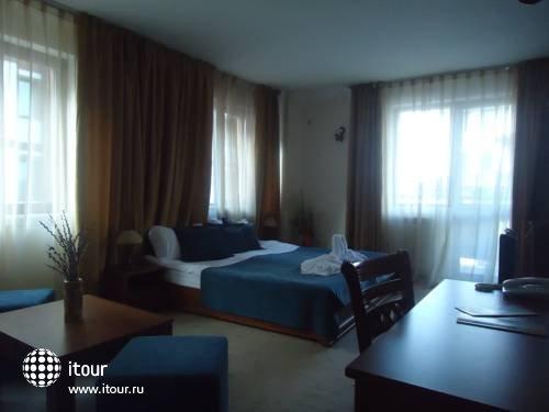 Emerald Spa Hotel 9