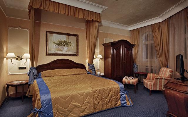 Festa Winter Palace Hotel 5