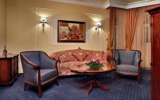 Festa Winter Palace Hotel 7