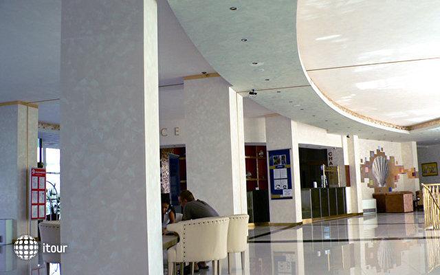 Grand Hotel Primorsko 4