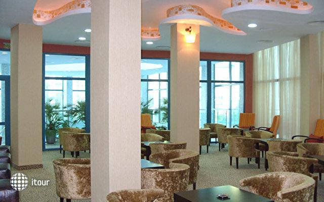 Grand Hotel Primorsko 6