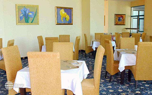 Grand Hotel Primorsko 8