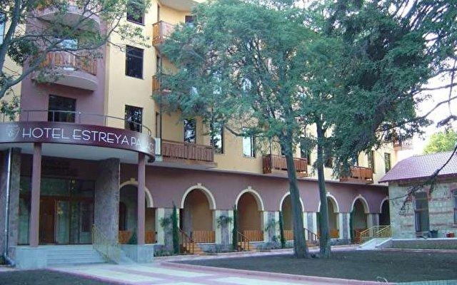 Estreya Palace 9