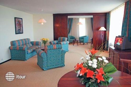 Grand Hotel Varna 5