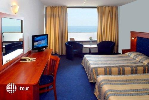 Grand Hotel Varna 9