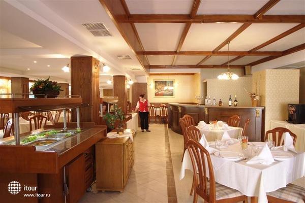 Hotel Esrteya Residence 4