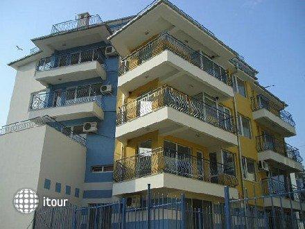 Villa Familia 1