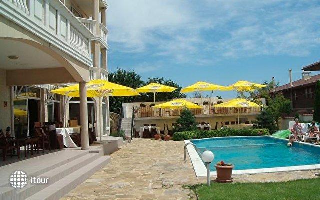 Alekta Hotel 5