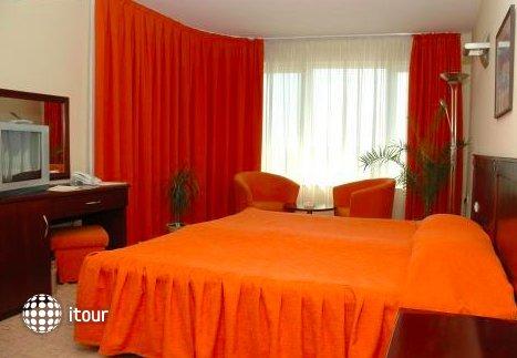 Hotel Divesta 9