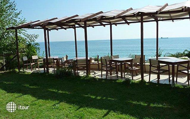 Albizia Beach Hotel 7