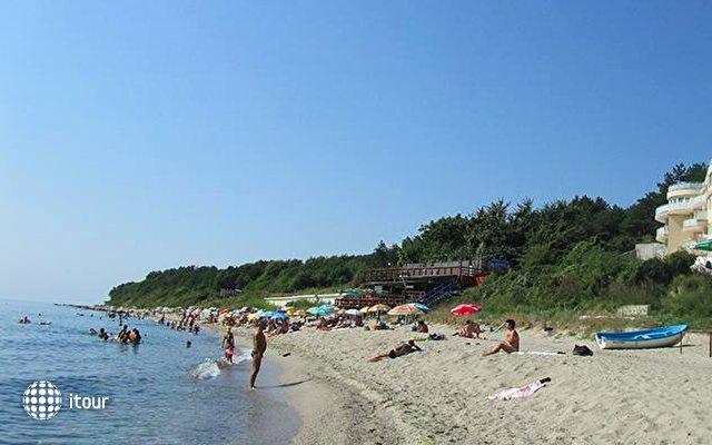 Albizia Beach Hotel 8