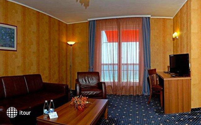 Panorama Hotel 8