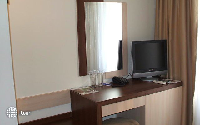 Best Western Prima Hotel 9