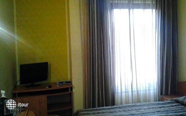 Reverence Hotel 3