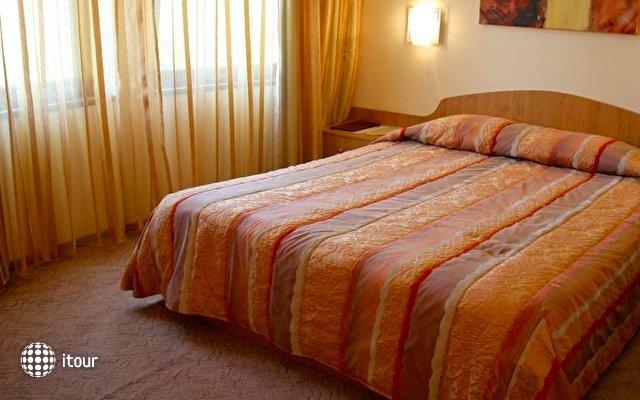 Reverence Hotel 1