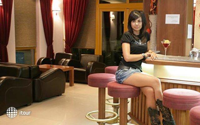 Impala Hotel 5
