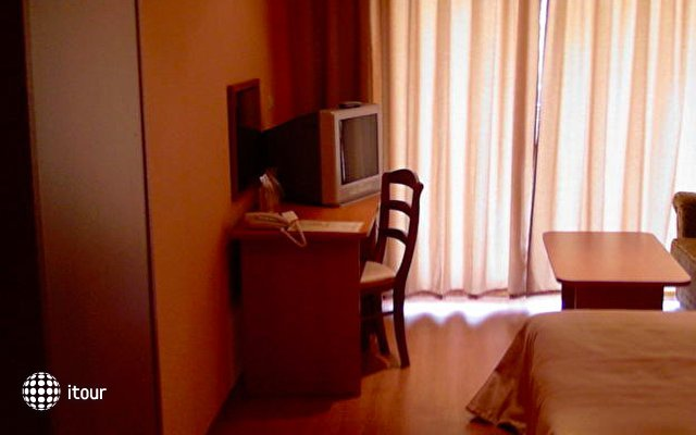 Impala Hotel 7