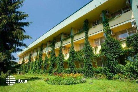 Park Hotel Persey 9